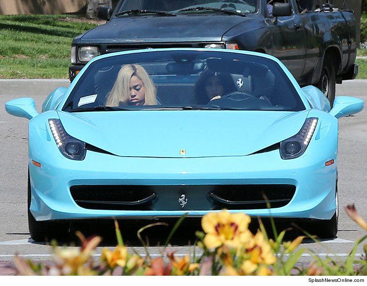 #Ferrari #KylieJenner