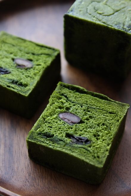 Matcha Bread with Kuromame Black Beans