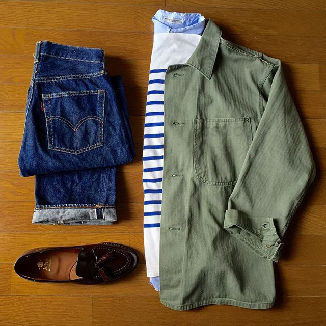 "2016/11/12 12:49:11 aki_kawaguchi ・ 暖かい☀️ セントジェームスは8年目 よく耐えてくれてます そして晴れた日は馬尻靴! ・ 1940's U.S.M.C ""herringbone jacket"" Saint James""naval"" Individualized shirts 1960's levi's 501 ""big E""""S type"" Alden ・ #usmc#military#militaryfashion#vintagemilitary#saintjames#naval#individualizedshirts#levis#levis501#levis501bigE#vintagelevis#alden#Loafer#vintage#古着#セントジェームス#インディビジュアライズドシャツ#リーバイス#リーバイス501#オールデン#menswear#mensfashion#mensstyle#instafashion#instagood#置き画くら部#未加工#未加工写真"