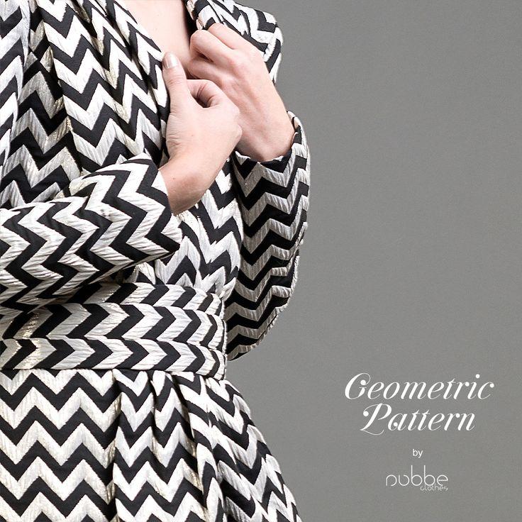NUBBE CLOTHES #FW17-18   GEOMETRIC PATTERN  Los #motivos #geométricos parece que nunca pasan de moda, y este #otoño-invierno vuelven a ser #tendencia.  #FW17 #moda #fashion #geometricpattern #geometric #pattern #zigzag