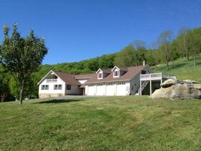VRBO.com #446729 - Heavenly Retreat with Private Trails Near Spruce Knob & Seneca Rocks  Nicer West Virginia Property for Stargazing