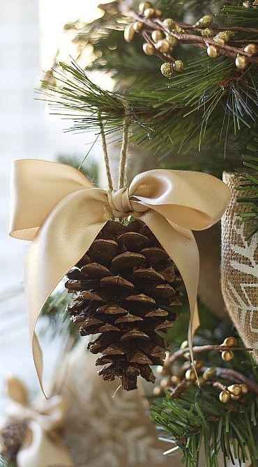 ornament tutorial.... Pomme de pin idee idea deco decoration for Christmas pour noel: