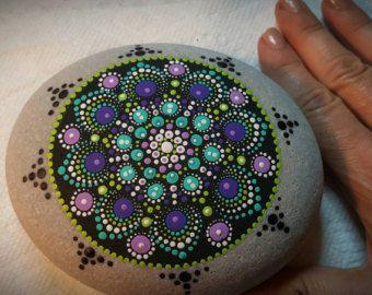 Mandala de piedra grande por PierreduCoeur en Etsy                                                                                                                                                                                 Más
