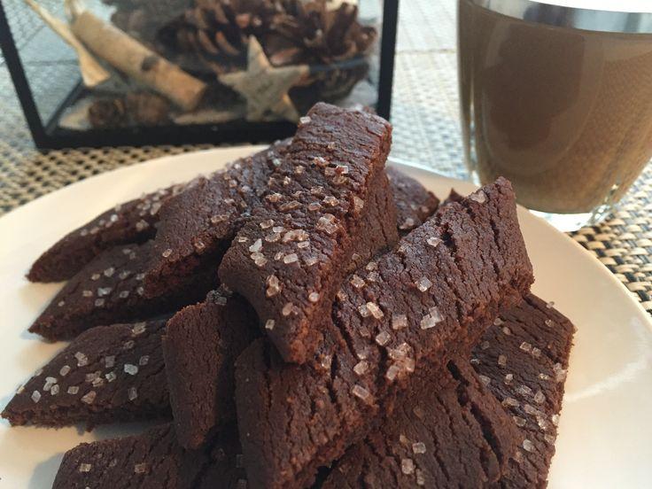 Jeg kan huske chokoladesnitter fra min barndom, så jeg synes det var lidt sjovt at prøve, og bage dem selv. De smager dejligt. Dejen er hurtig og blande så det tager ikke lang tid før der er friskb…