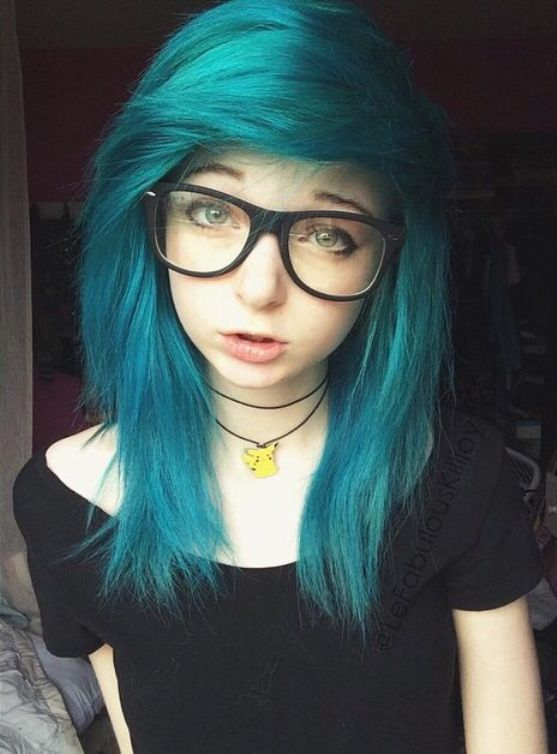 emo hairstyles for girls with medium hair