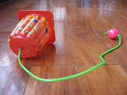 Resultado de imagen de juegos de arrastre para niños reciclados