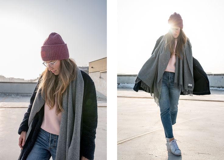 Teddy Coat: GAP | Scarf: Acne Studios | Sweater: H&M | Mom Jeans: H&M | Beanie: Acne Studios | Glasses: Eyebuydirect