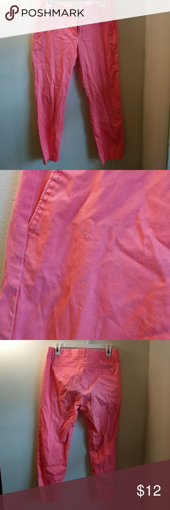 Jcrew Cropped Chino Neon pink, some slight discoloration on the back and black mark on the front. Pricing reflects. J. Crew Pants Ankle & Cropped