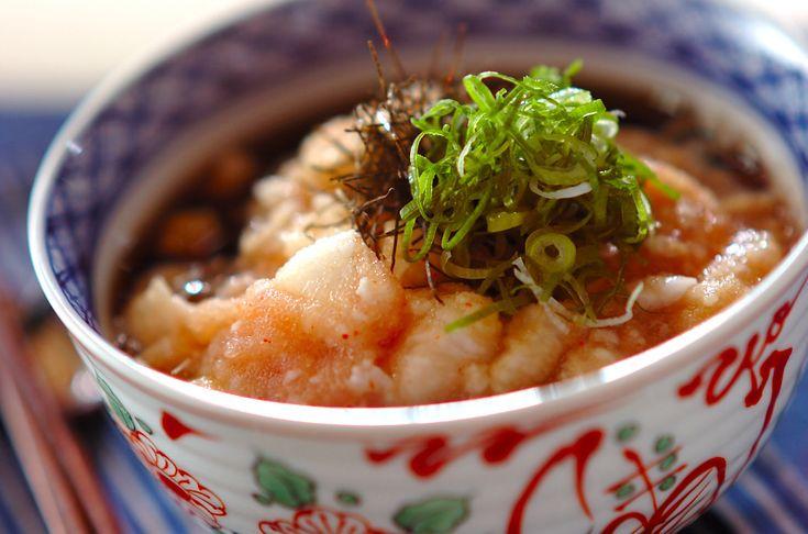明太子のピリリとした辛さがおいしいトロトロそば。よく混ぜながら召し上がって下さいね。そばは冷凍の物を使えばゆで時間も短縮!年越し明太トロトロそば/中島 和代のレシピ。[和食/麺料理(そば、うどん等)]2009.12.31公開のレシピです。
