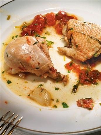 «Куриное фрикасе с уксусом и зеленью» рецепт – французская кухня: основные блюда. «Афиша-Еда»