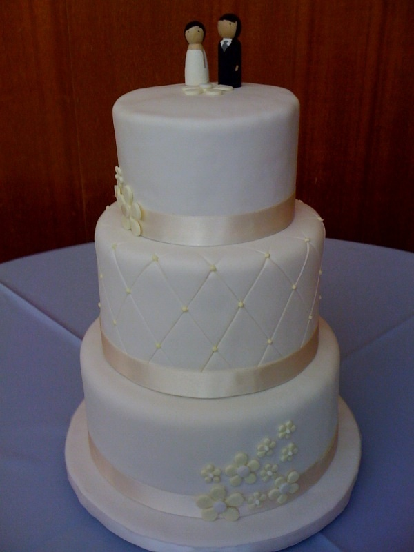 1000+ images about 2-tier simple wedding cakes on ...
