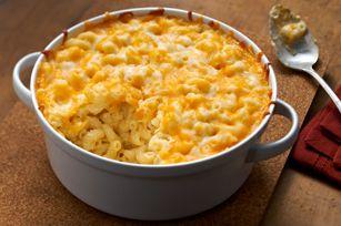 Du macaroni au fromage maison prêt en 40 minutes? Certainement! Voici une recette que vous devez absolument essayer si vous avez des amateurs de macaroni à la maison.