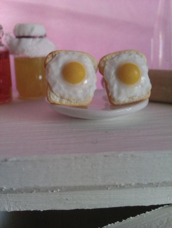 Handmade polymer clay earring slices bread  with egg by MiniCose, €12.00