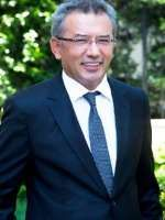 Prof. Dr. Sedat ÖZKAN İstanbul'da Psikiyatri alanında hastalarına sağlık hizmeti vermektedir.  Randevu Hattı 0 (850) 433 41 85