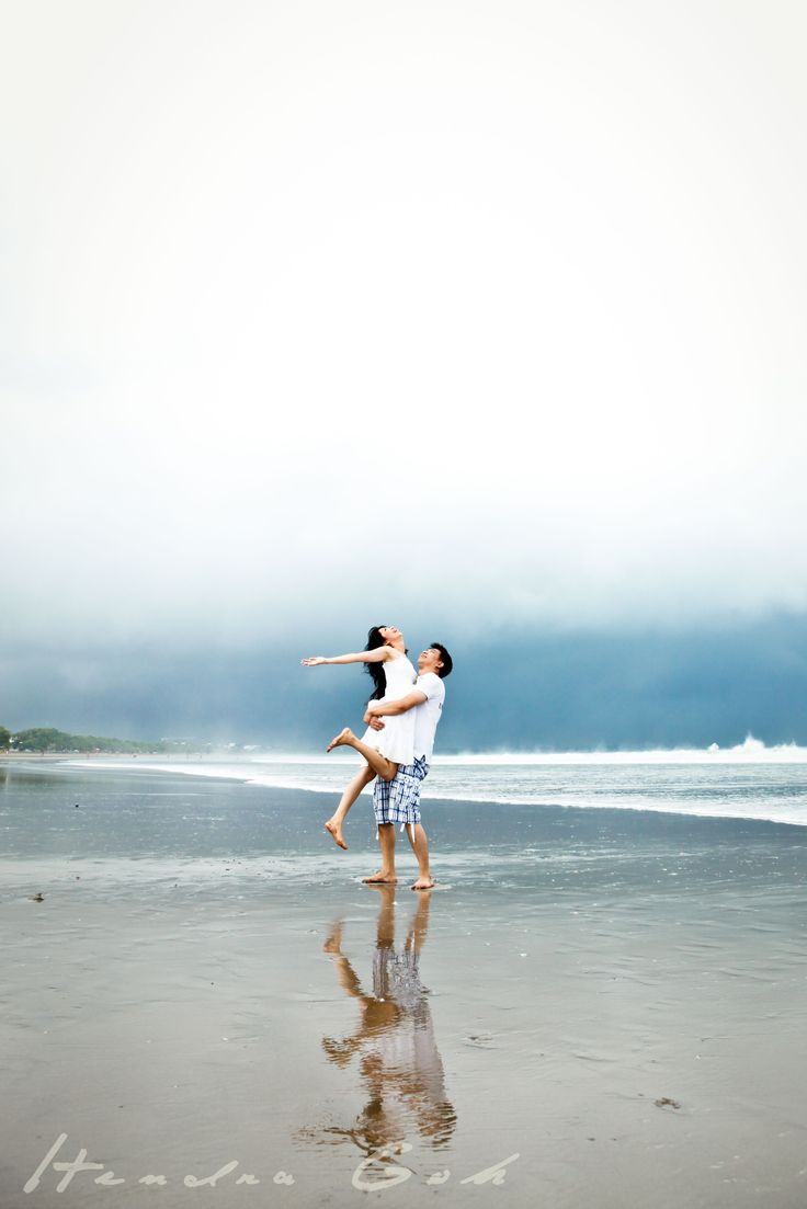 Bali! #prewedding #wedding #photoshoot #bride #groom #photography by Hendra Goh contact us for photoshoot : katarinadyta@gmail.com