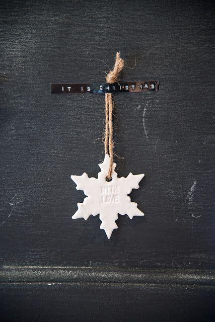 ❥ #Scandinavian #Christmas #decorating #ideas #white