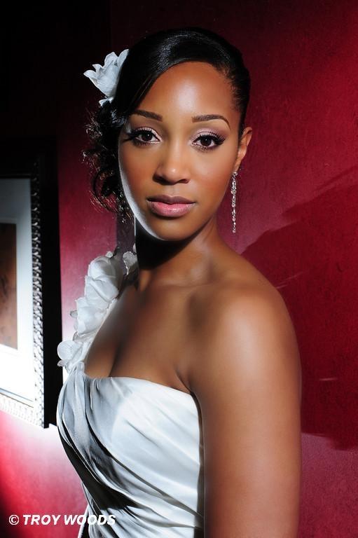 Hair Idea Follow Us Signaturebride On Twitter And On Facebook Signature Bride Magazine