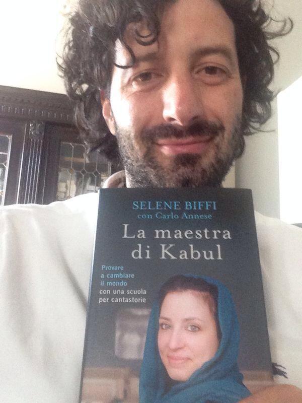 Avvocato Cedrik Pasetti (Segretario Provinciale Lega Nord Mantova), che sguardo trasognato in questa foto! Sarà preda della versione afghana della saudade brasiliana? :)