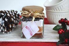 Con la ricetta per realizzare il preparato per cioccolata calda in casa inizio la nuova minirubrica per preparare e confezionare delle simpatiche idee regalo gastronomiche che potete