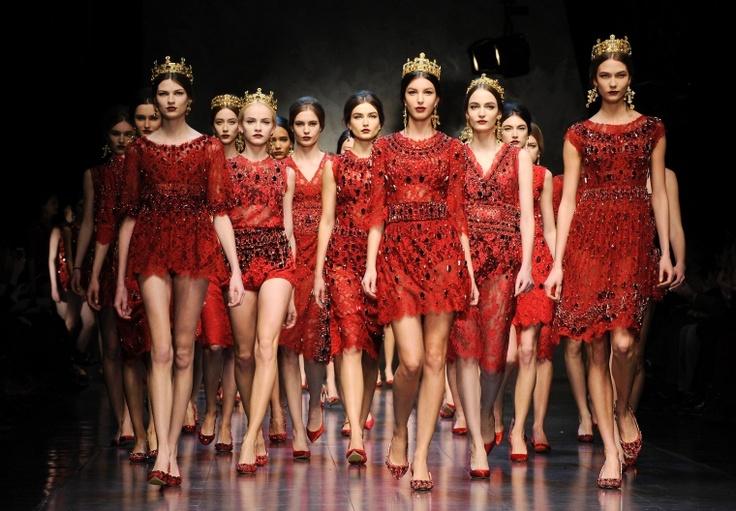 Mailänder Modewoche: Italien wählt die Vergangenheit - Mode - FAZ
