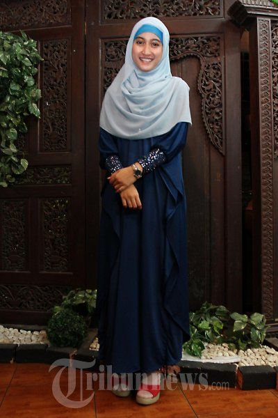 meyda-safira-cantik-dalam-balutan-hijab.-7.jpg (400×600)