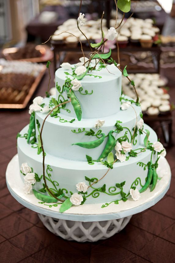 Pretty Sweet Pea Tiered Cake