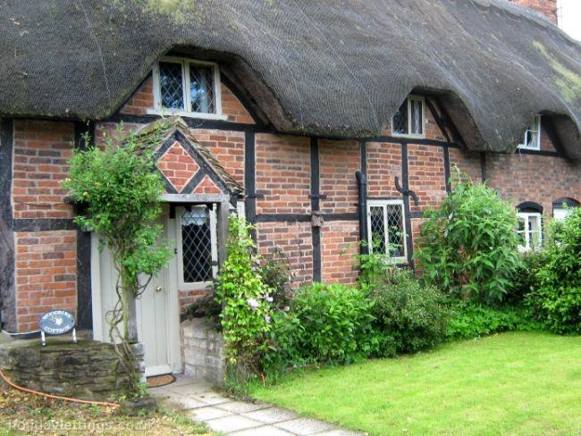 Vacation Rental 17th Century Thatched Cottage A CHOCOLATE BOX COTTAGE IN PLEASANT VILLAGE
