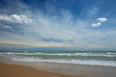 Low cost day trips to the best beaches near Valencia    #Travel #DanCamacho