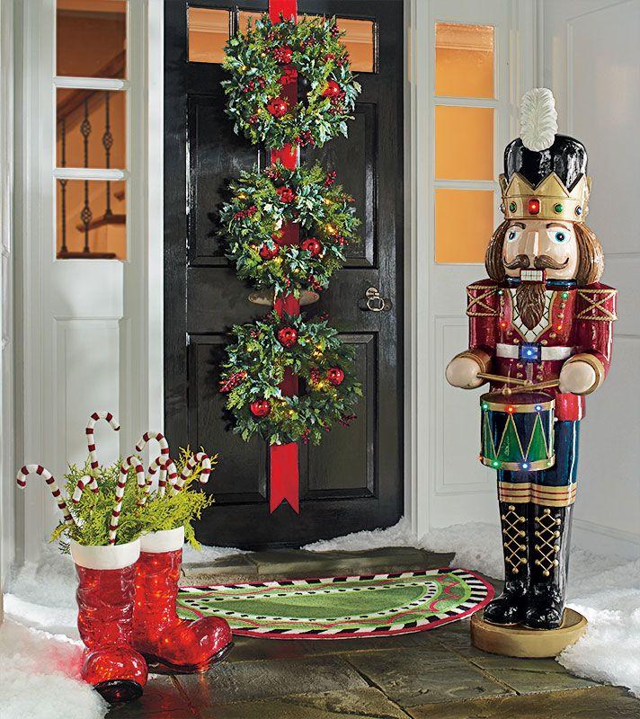 Pinterest Christmas Porch Decorations: 17 Best Ideas About Christmas Front Doors On Pinterest