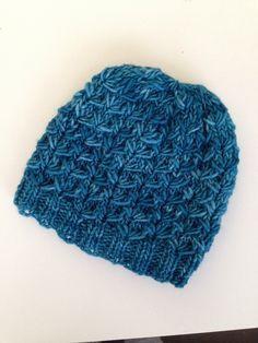 Voici donc le tuto du bonnet dandelion. J ai appris ce point grâce au blog de weareknitters. Je ne peux donc que vous pousser à aller sur ce site pour apprendre le point. Voici le lien : Dandelion …