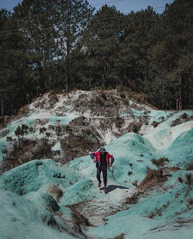 Its still an unanswered question as to why it is blue but whatever it is Sagada Blue Soil Hills is one of those places you can be proud to have in the Philippines.  Photo and words by @kyuvillasin  #travelingpinoy