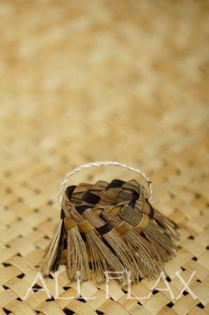 Flax Weaving - Mini kete