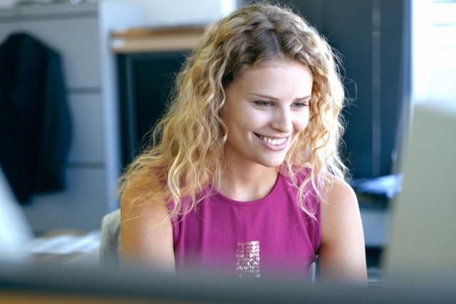 Best Paid Popular Hourly Jobs: Administrative Assistant / Secretary - http://jobsearch.about.com/od/best-jobs/ss/Top-15-Highest-Paying-Popular-Jobs.htm#step2