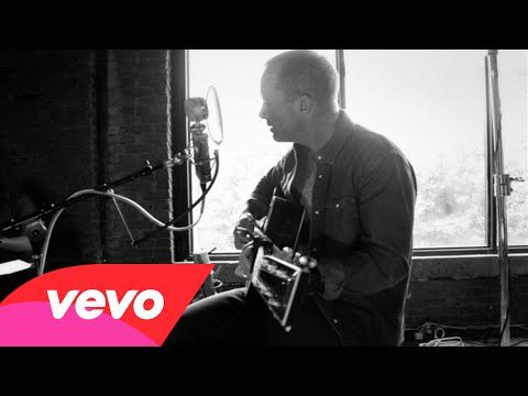 New Video!! Chris Tomlin - Jesus Loves Me (Love Ran Red Acoustic Sessions) - YouTube