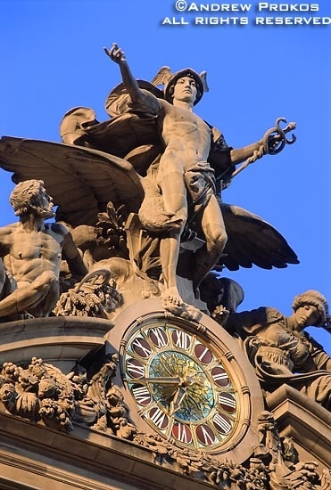 Grand Central Terminal's Mercury Statue and Clock
