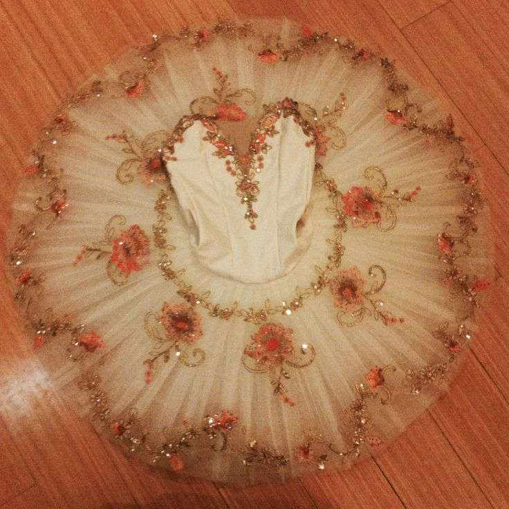 very possibly the prettiest tutu i've ever seen!!