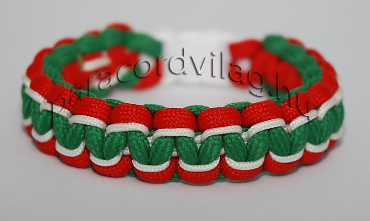 Paracord kobra karkötő/Piros-Fehér-Zöld