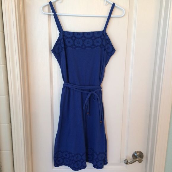 Roxy cobalt dress Beautiful cobalt blue dress with detail at top and bottom. Cinch waist with tie around detail. Adjustable straps. Roxy Dresses
