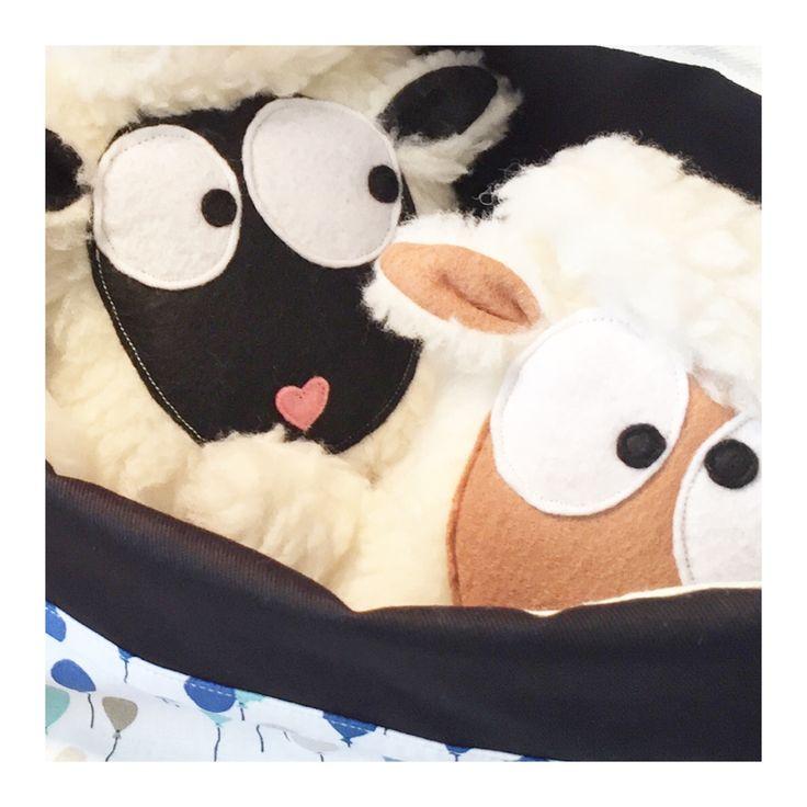 les 25 meilleures id es de la cat gorie doudou mouton sur pinterest peluche mouton tissu d. Black Bedroom Furniture Sets. Home Design Ideas
