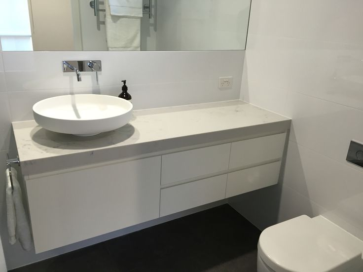 Bathroom, Renovation, Ensuite, Floating Vanity, Above Counter Basin Phoenix Tapware, Smartstone Carrara, Laminex Natural White, Reece Omivo Venice, Aesop
