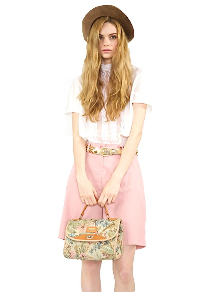 Tapisserie Bag $59    http://mastuvu.com.au/products-page/accessories/