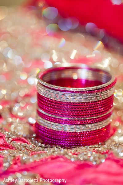 Bangles http://www.maharaniweddings.com/gallery/photo/30787