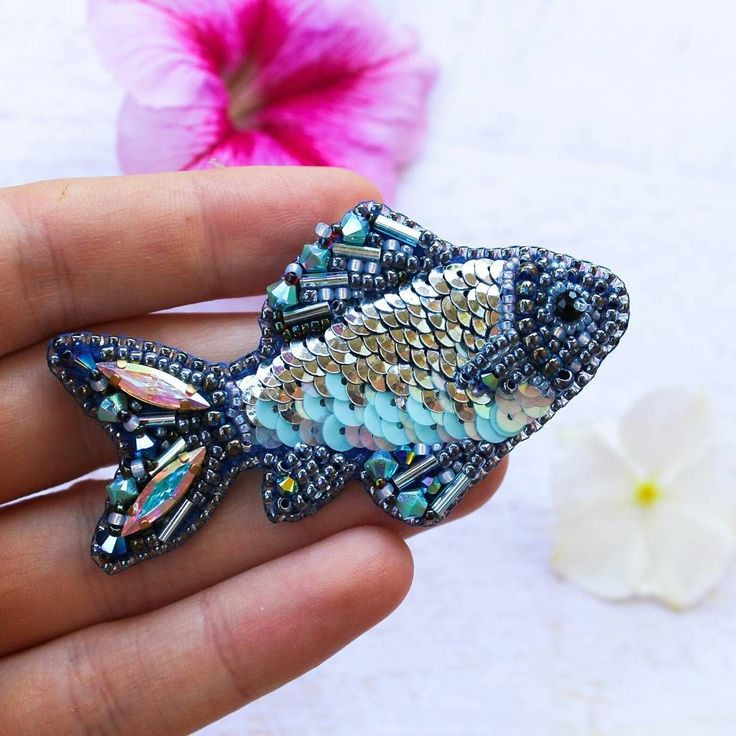 713 отметок «Нравится», 51 комментариев — EVIS OWL JEWELRY (@evis_owl_jewelry) в Instagram: «Брошка Селедочка. Моя рыбья сущность рвется наружу и требует больше рыбок! Так что немного…»
