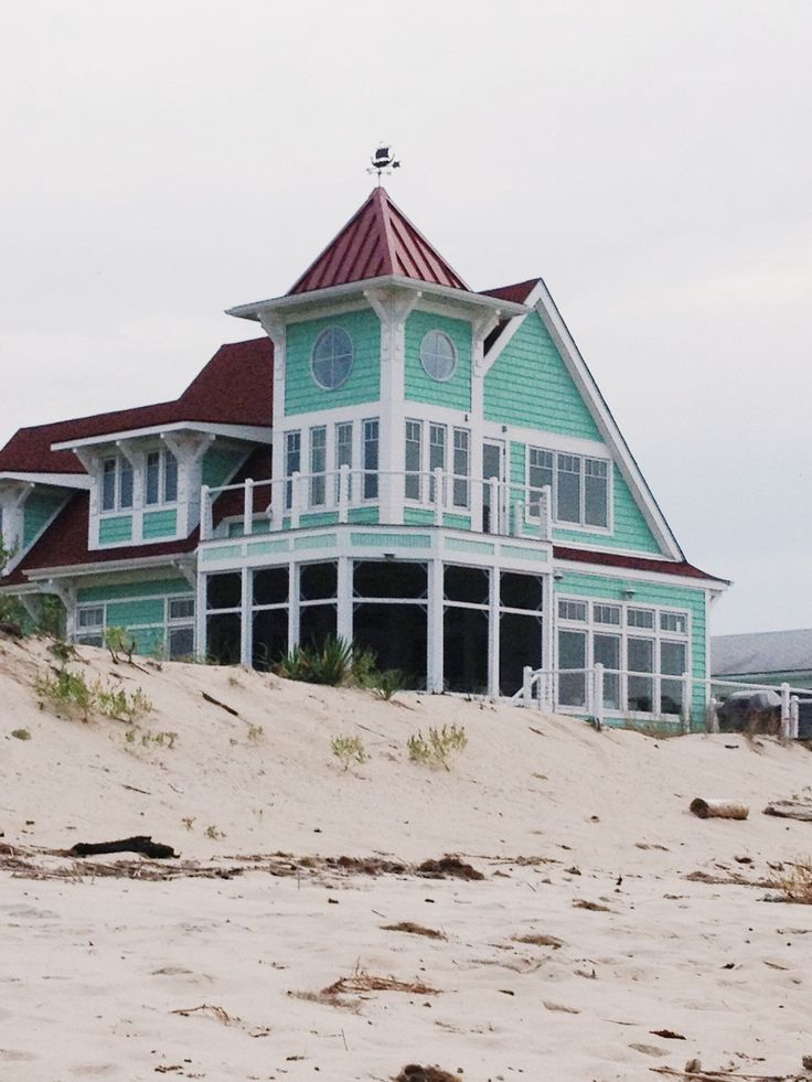american-prep:  Gorgeous beach house in Primehook   Yes please.