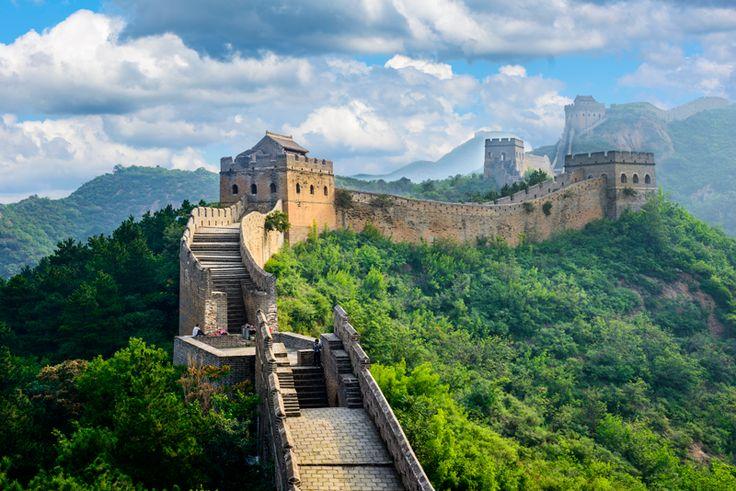 ¿Sabía que se calcula que la Gran Muralla China tuvo 21.196 kilómetros de largo pero hoy en día solo se conserva el 30%?. #atlantaxperiencias #atlantaexperiences #experienciasdelujo #viajesamedida #viajesdeincentivo #murallachina #china #asia #incentivetravel #vacation #holidays #vacaciones #luxury #experiences #viaje #trip #travel #instatravel #nofilter