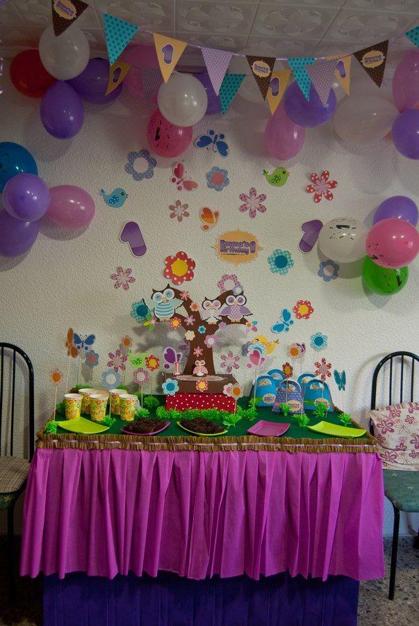 Mesa de dulces con decoraci n de buhos lluvia de ideas - Decoracion de navidad con globos ...