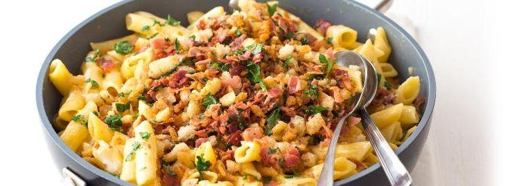 Těstoviny se sýrovou omáčkou a slaninou