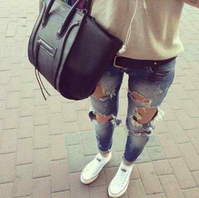 converse, sweater & ripped jeans