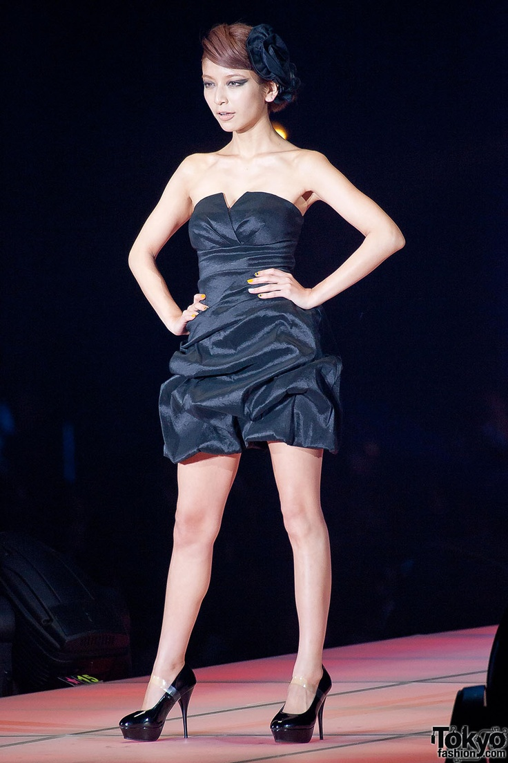 Roen Dazzy at Tokyo Girls Collection 2013 SS