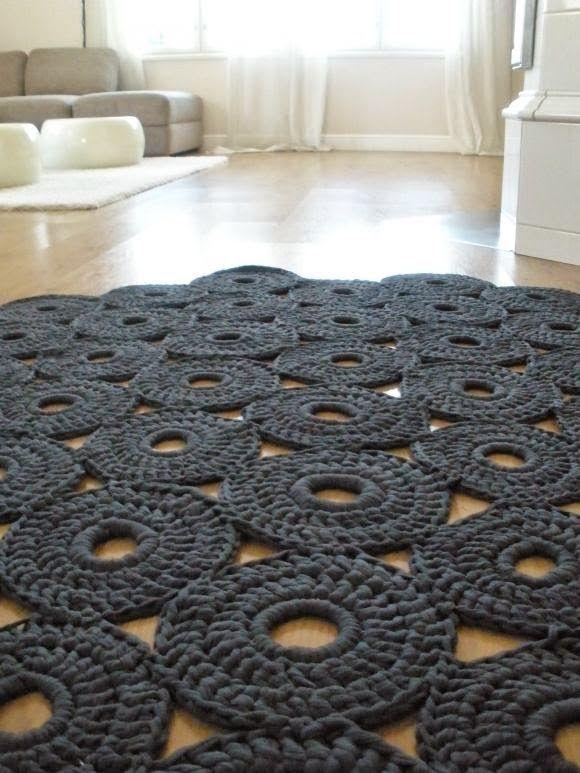 Tapetes de crochet arrasando na decoração!